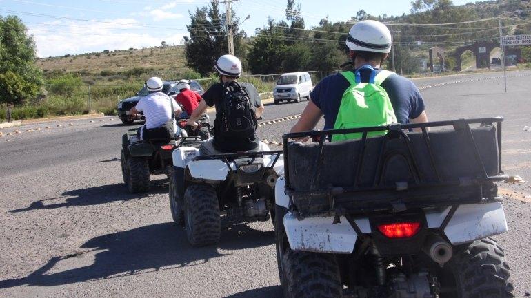 Motociclo, tirolesa e pôr do sol em São Miguel Allende