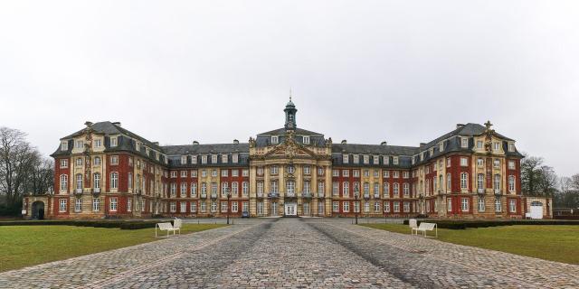 Münster_Fürstbischöfliches_Schloss_Viajando bem e barato pela Europa