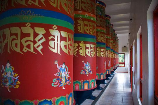 templo budista_rodas de oração_Viajando bem e barato