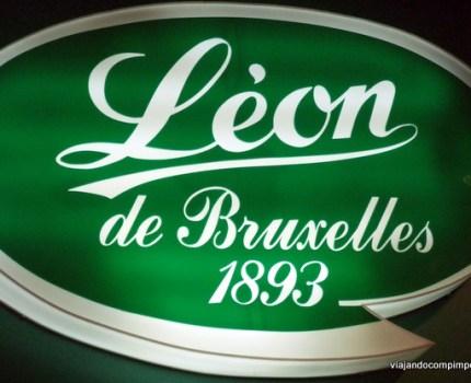 Paris com crianças: Léon de Bruxelles, um restaurante kids friendly onde provar moules-frites!