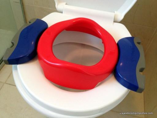 Vaso sanitário de viagem e redutor de assento