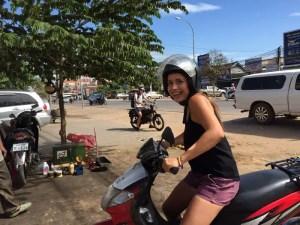 colombiana-viajando-en-moto-3