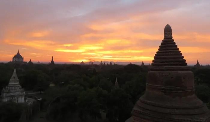 viaje-sola-Bagan-colombiajeros