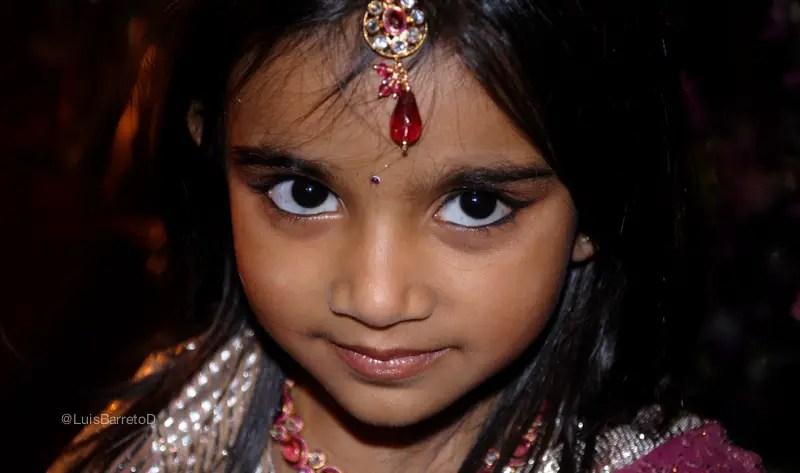 viajando-india-boda-niña