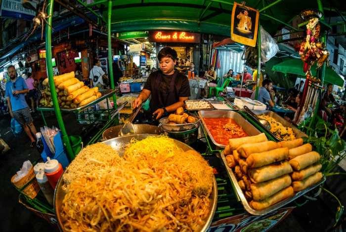 Khao-San-Road-vendor