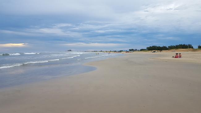 2-viajando-em-3-2-1-blog-de-viagem-farol-de-santa-marta-praia-do-cardoso