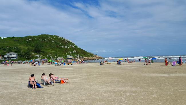 7--viajando-em-321-praias-para-conhecer-em-imbituba-santa-catarina-praia-de-itapiruba-sul