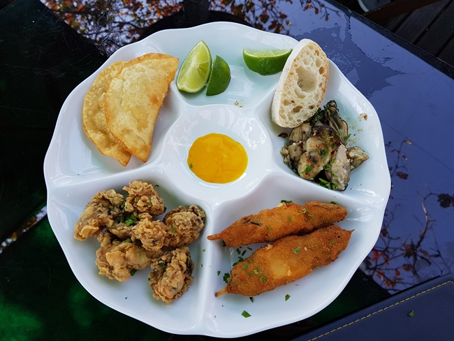 3-viajando-em-321-experiencias-gastronomicas-florianopolis-o-que-comer-sequencia-de-ostras-santo-antonio-de-lisboa