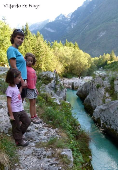 Rio Soca Eslovenia en furgo