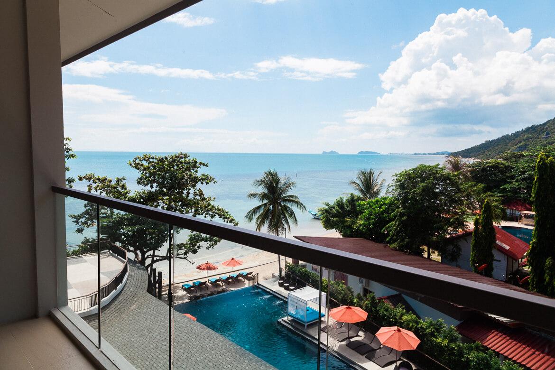Vista de um dos quartos do hotel Sunset Beach em Koh Phangan, Tailândia   Viajando na Janela