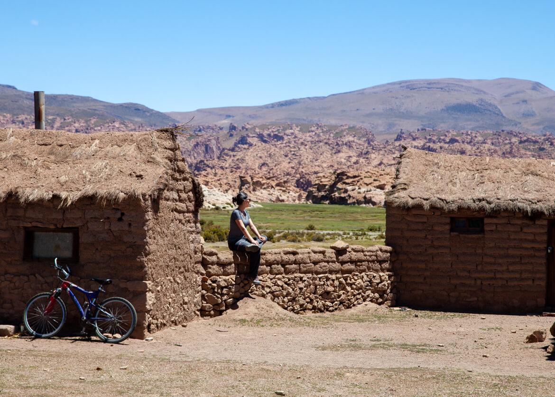 Construções rústicas pelo caminho - essas ficam próximas ao local que almoçamos no segundo dia do tour do Salar de Uyuni