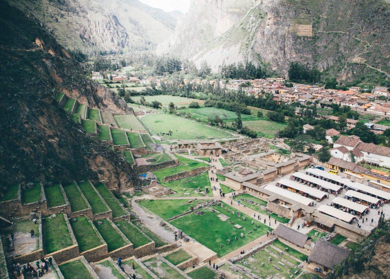 O Sítio Arqueológico e a cidade de Ollantaytambo   Roteiro em Cusco, Peru