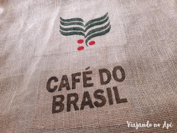 saco-cafe-do-brasil-pintura-stencil-faca-voce-mesmo-diy-2