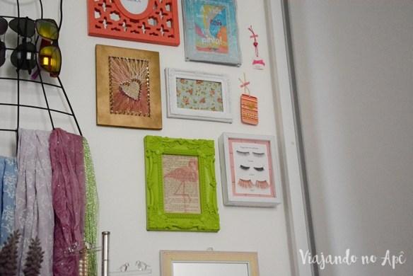 parede-closet-decoracao-parede-colorida-quadrinhos-na-parede-decoracao-feminina-2