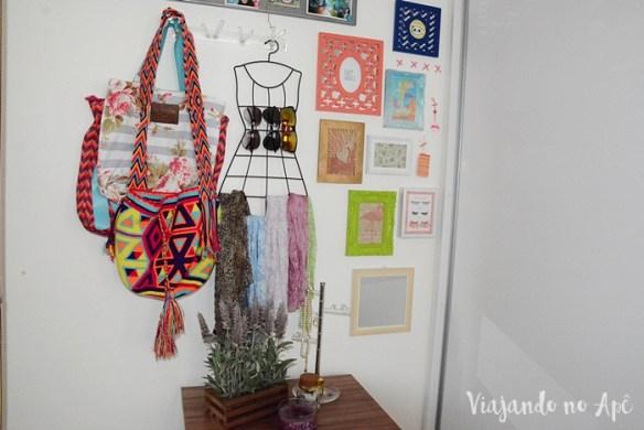parede-closet-decoracao-parede-colorida-quadrinhos-na-parede-decoracao-feminina