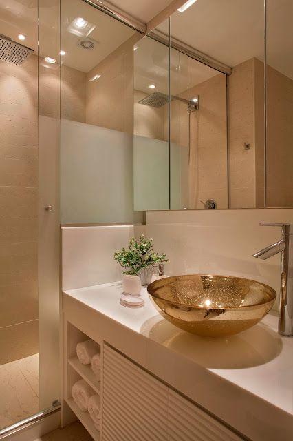 banheiro elegante clean cuba dourada decoracao bancada branca