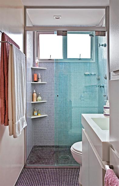 pastilhas parede chao banheiro prateleiras canto boxe