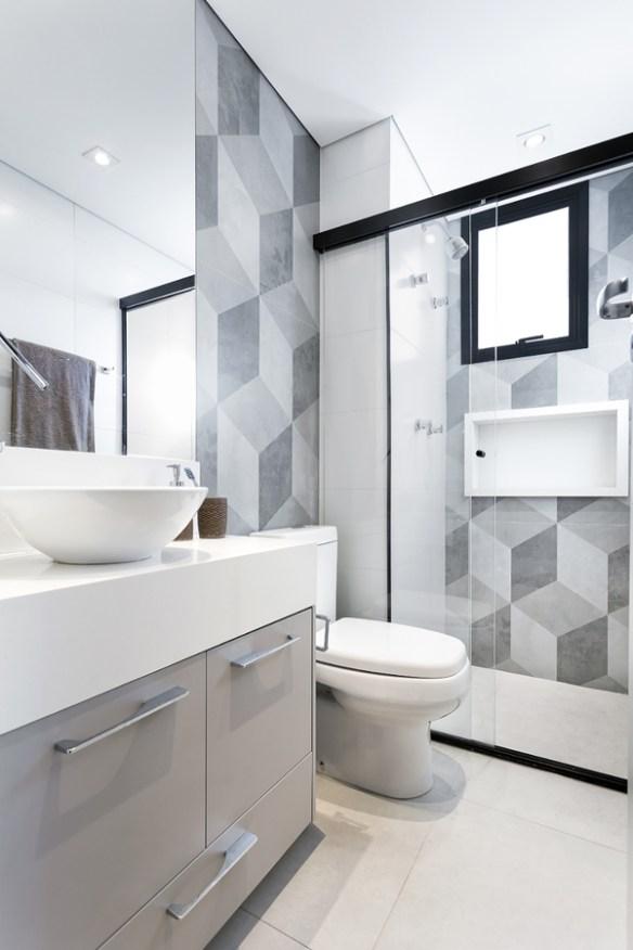 revestimento geometrico cinza branco banheiros decorados modernos