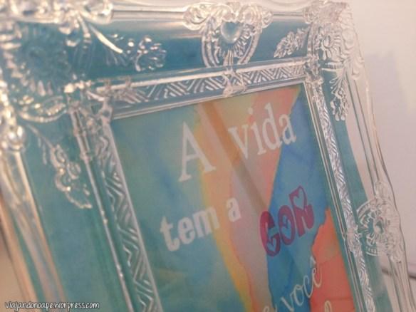 porta_retrato_transparente_penteadeira_a_vida_tem_a_cor_que_voce_pinta_2