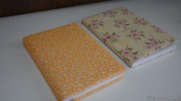 encapando livro com tecido e papel decorado impresso 10