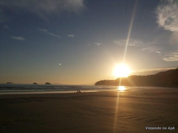 por do sol fim de tarde ubatuba praia da fazenda