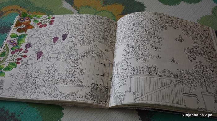 "Livro de colorir ""Jardim Secreto"" e porta lápis de cor"