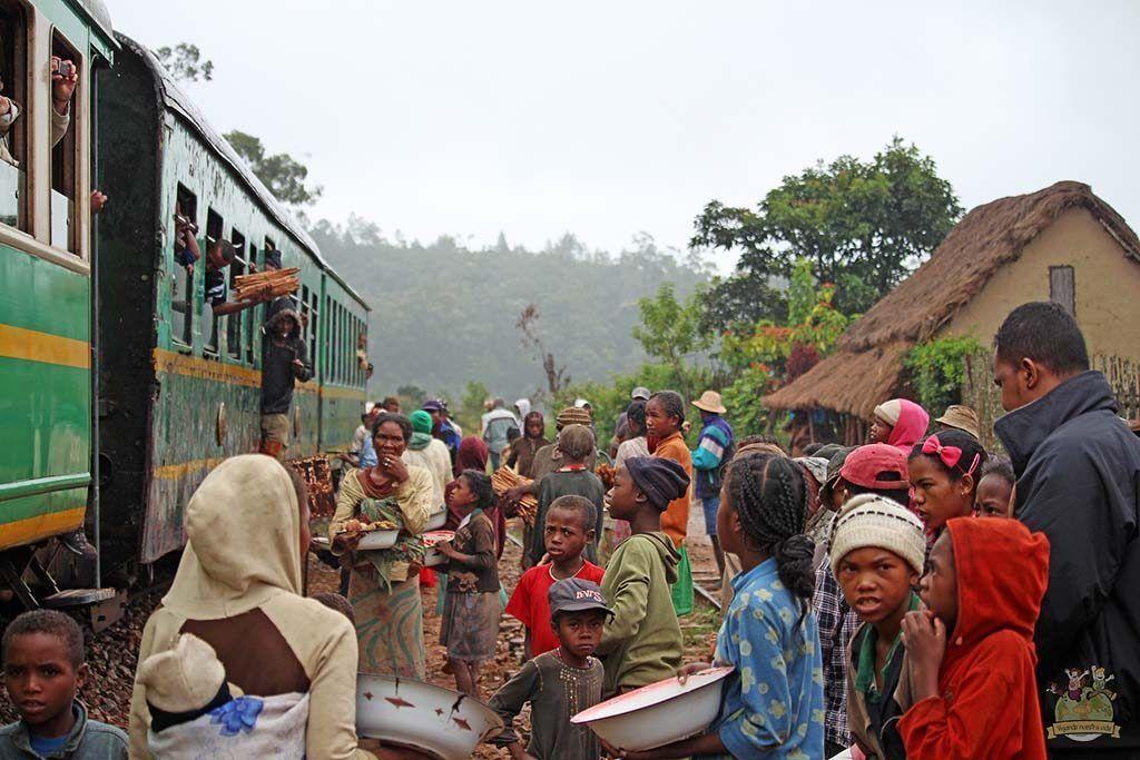 Tren de la selva Madagascar estacion
