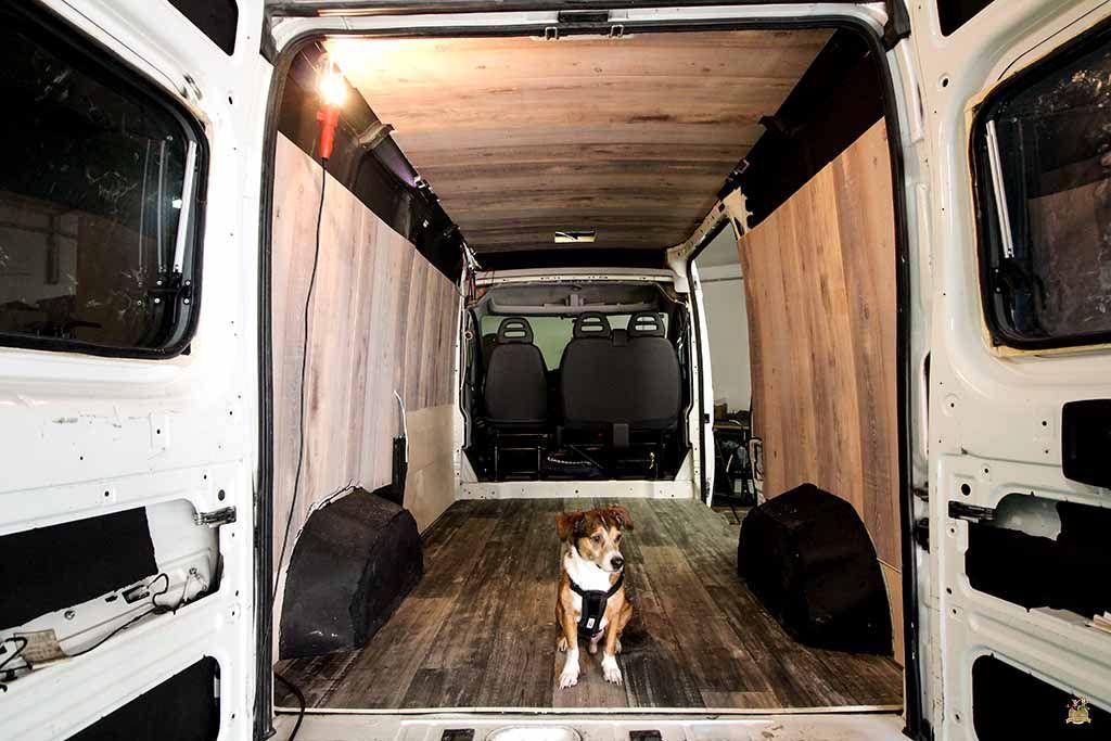 Revestimiento de paredes y techo en una furgoneta - Revestimiento de techos ...