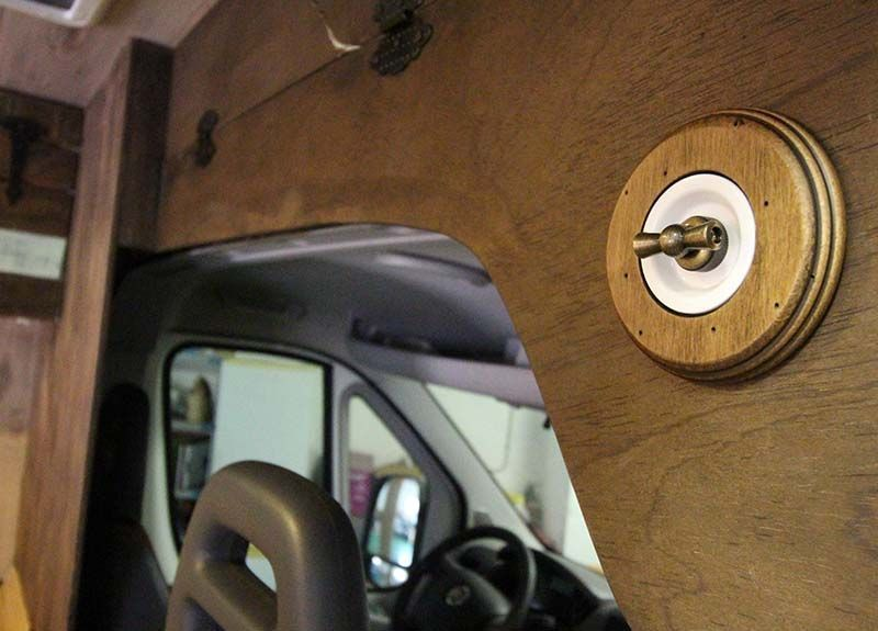 instalación eléctrica para una furgoneta camper