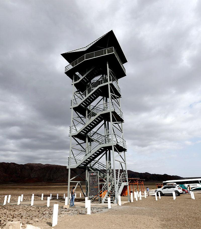 Torre Mirador de la Pampa de Nasca reabre al público