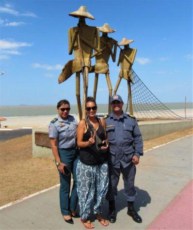 Sao Luis belem Macapa Carol con Policias