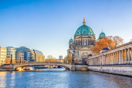 Como alquilar un auto en Berlin Viajando por un sueño lamancapata