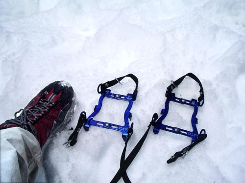Six point crampons