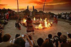 danzas kecak Uluwatu Bali