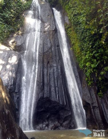 Kuning-waterfall-cascadas-de-bali