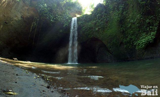 cascada-air-terjun-tibumana-bali