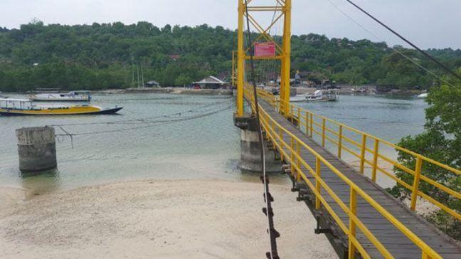 Puente Amarillo Nusa Lembongan