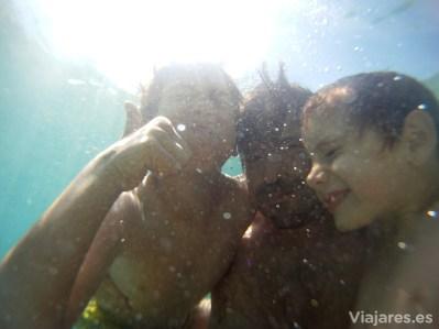 Disfrutando en las aguas de Calella
