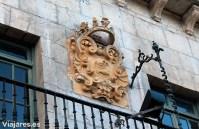 Escudo en el Ayuntamiento de Lekeitio