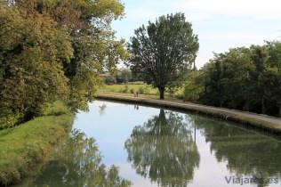Los canales invitan a dar un paseo tranquilo y en calma