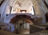 Interior de la iglesia del castillo de Calafell