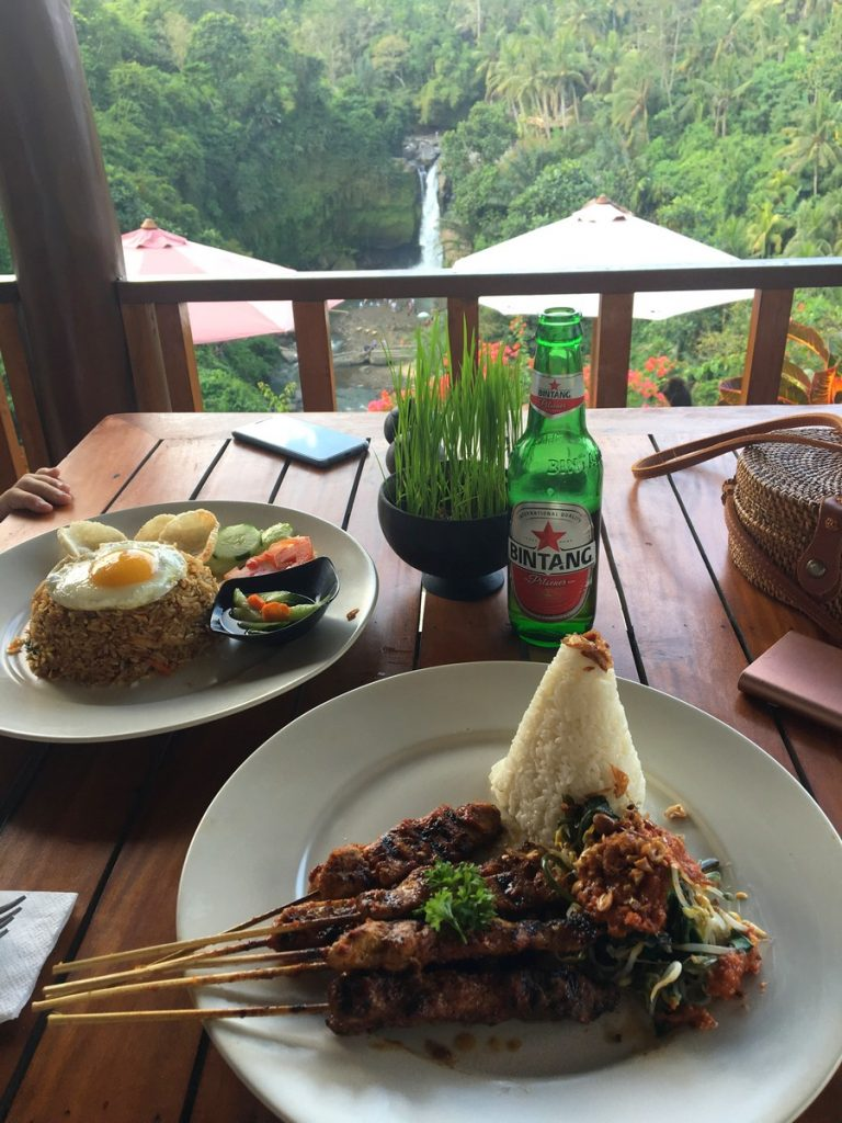Nasi Goreng y Chicken Satay