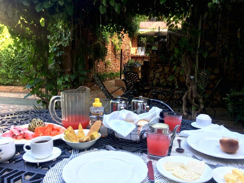 Desayuno en la casa de OsmaryAlberto