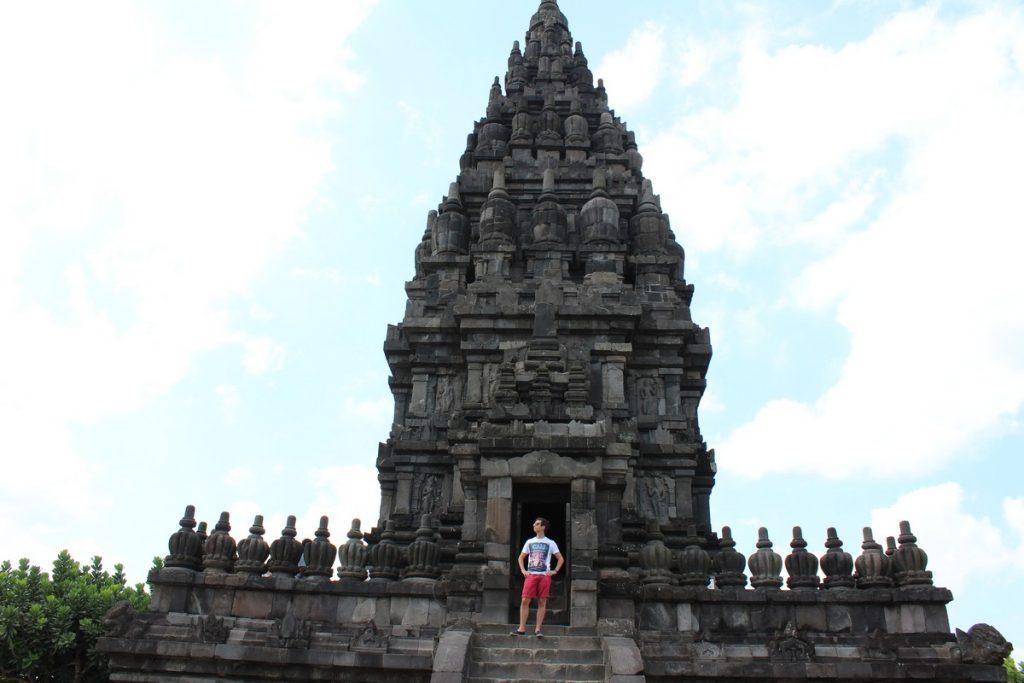 En uno de los templos de Prambanan