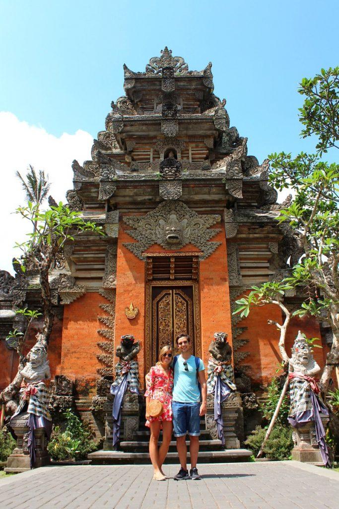 En el Palacio Real de Ubud
