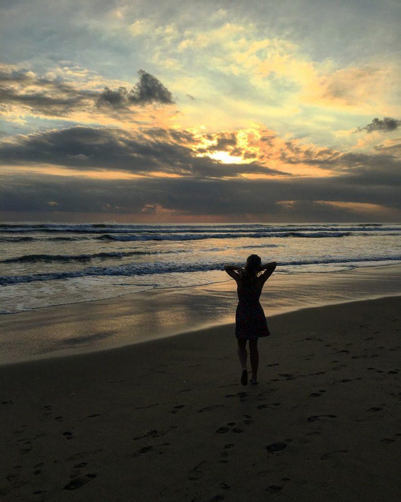 Atardecer en la playa de Kuta