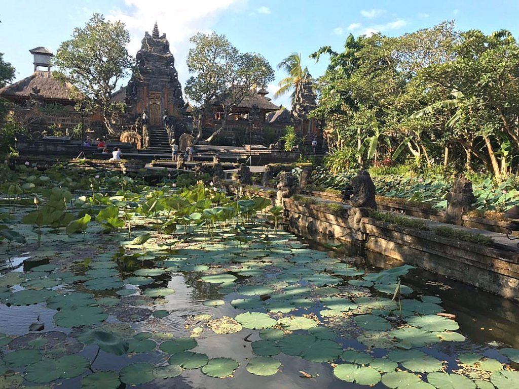 Día soleado en el Palacio de Agua de Ubud