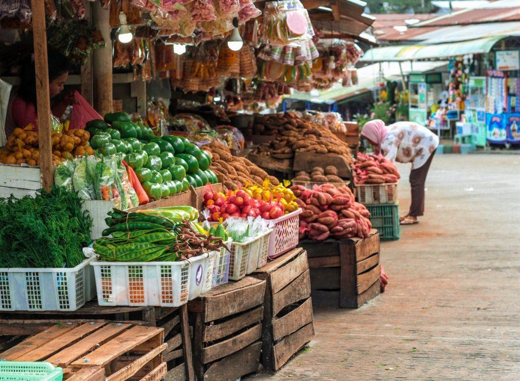Los mercados callejeros que te encontrarás al viajar a Indonesia