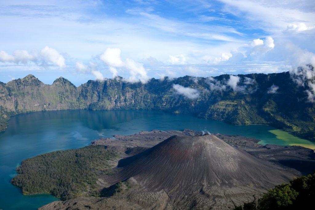 El volcán Rinjani de Lombok, Indonesia