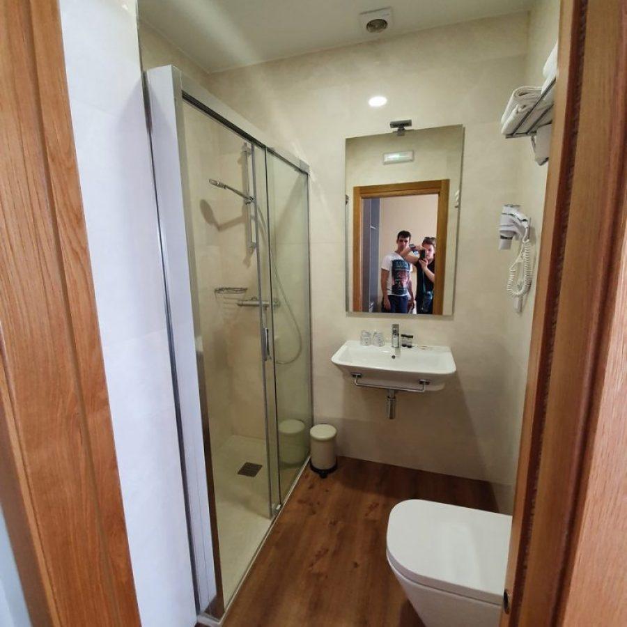 Nuestro baño privado en Portomarín